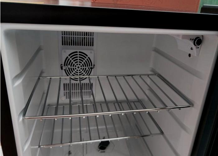 Do mini fridges need ventilation